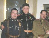 Вадим Юрьевич фон Каульбарс - крайний слева, в центре Вольфганг Акунов.
