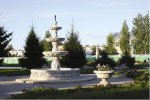 Фонтан и сквер у памятника В.Я.Исаева
