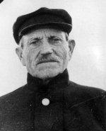 Отец – Василий Иванович Мысев, Георгиевский кавалер.