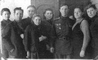 Учителя Тырновской школы. Третий слева Телешинин Терентий Никитович, Третий справа Мысев Василий Васильевич.