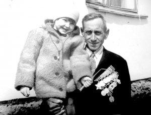 Ветеран-рязанец 324 –й Верхнеднепровской Краснознаменной стрелковой дивизии. 9 мая 1980 г. Шилово.