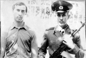 г. Ашхабат, 27 июня 1982 года. Принятие Присяги. Юрий Крылов со старшим братом Владимиром.