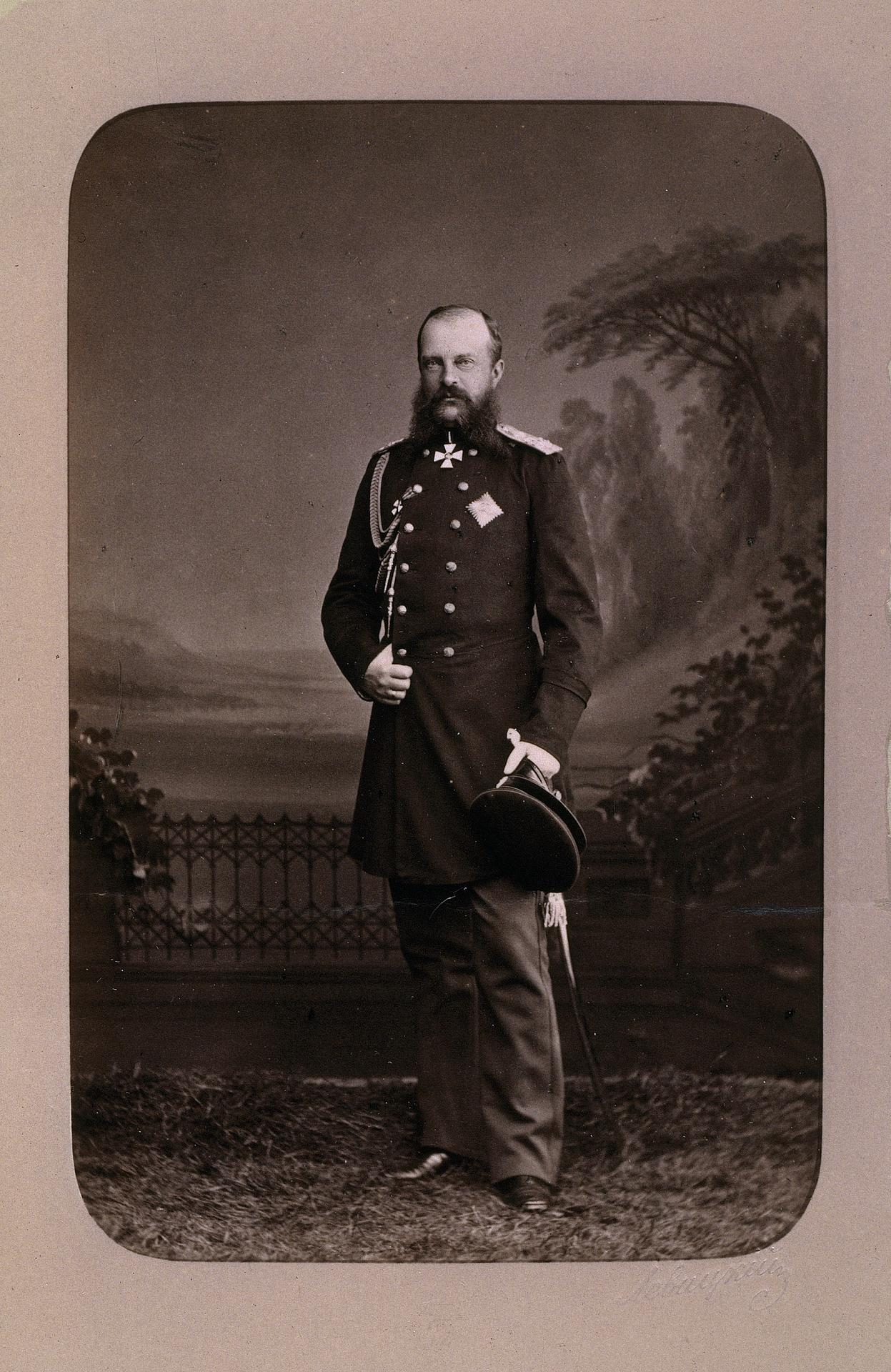Родился 8 марта года в семье капитана 3-й лейб-гренадерской артиллерийской бригады николая жонсона/джонсона и луизы александровны жонсон.
