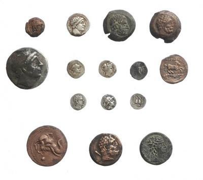Образцы монет, найденных в крепости Узундара в 2018 году.